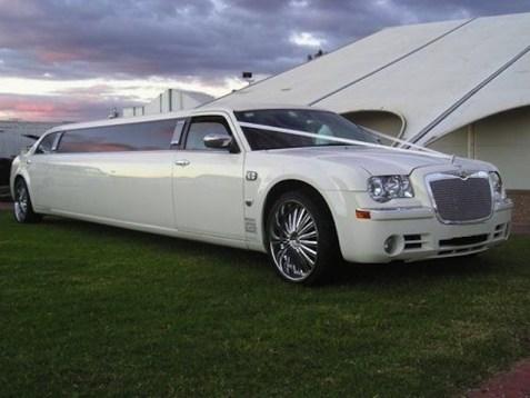 CT Chrysler 300 Birthday Limousine photo