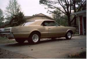 Chris's 1967 Oldsmobile 442 - Righ