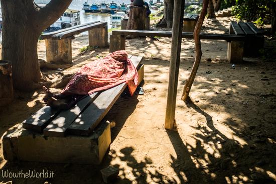 Scene di vita quotidiana a Katha, Irrawaddy.