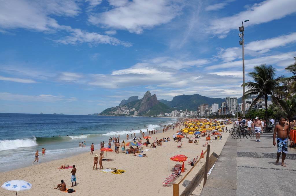 Ipanema, Rio de Janeiro - by Mike Vondran - over_kind_man:Flickr