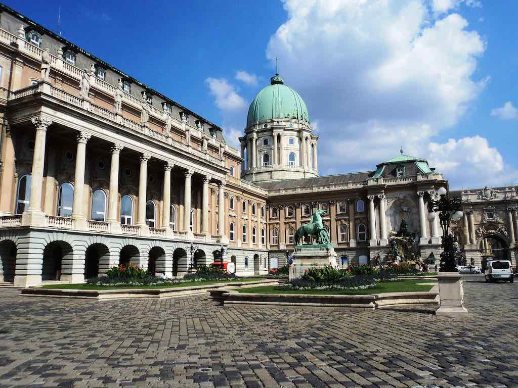 Buda Royal Palace - by Martin Hendrikx:Flickr