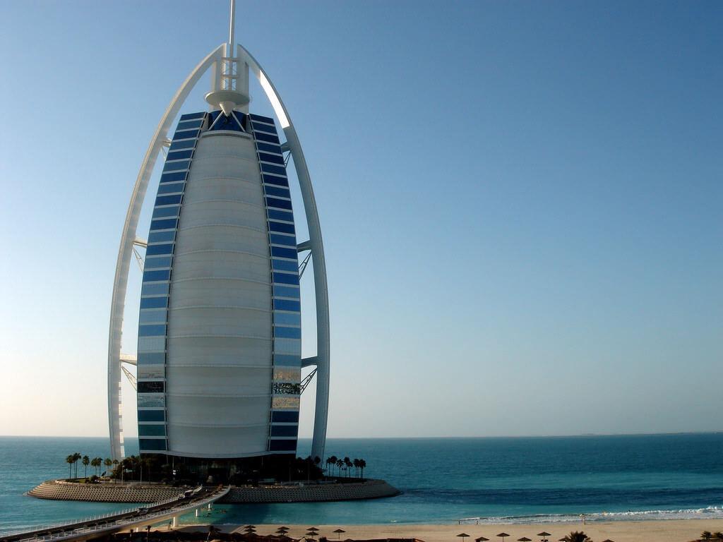 Burj El Arab, Dubai - by Jon Rawlinson:Flickr