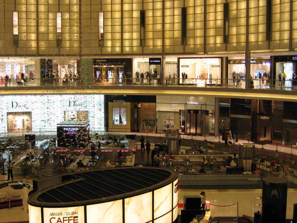 Dubai Mall - by ~Pyb:Flickr