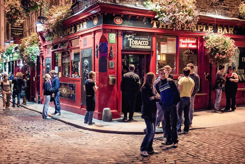 Temple Bar, Dublin - by daspunkt:Flickr