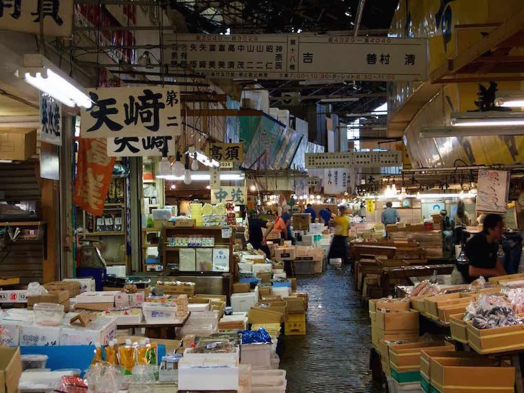 Tsukiji Fish Market, Tokyo - by mhiguera:Flickr