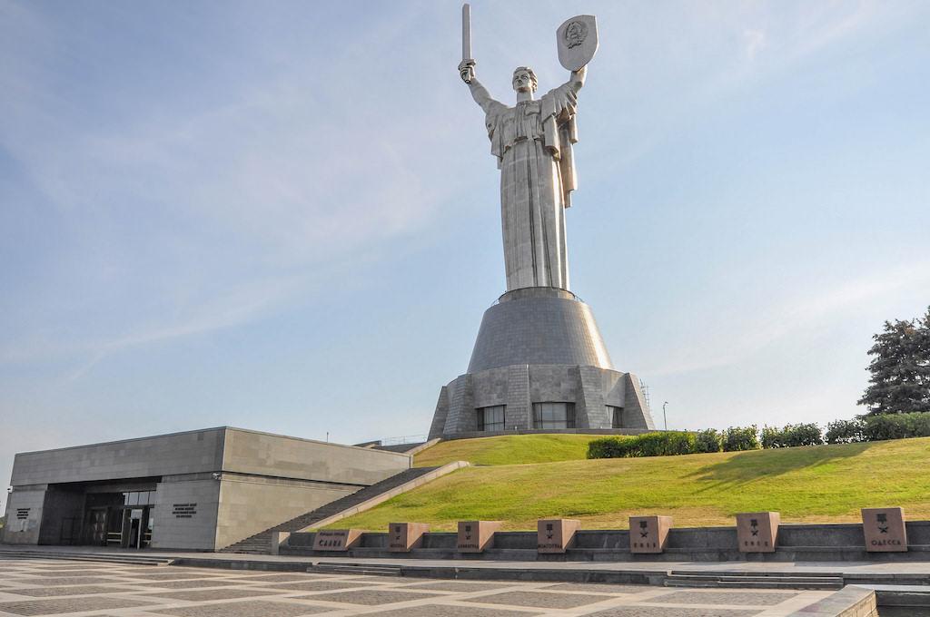 Mother of the Fatherland, Kiev - by Jorge Láscar:Flickr