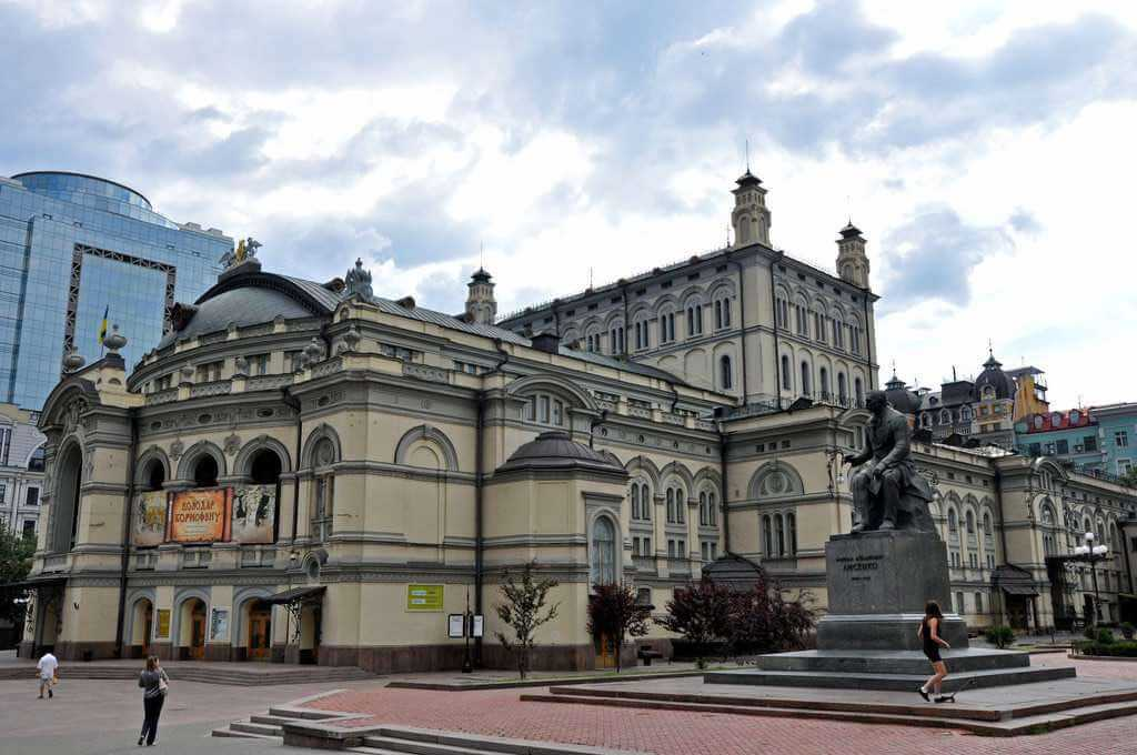 National Opera House of Ukraine, Kiev - by Jennifer Boyer - Anosmia:Flickr
