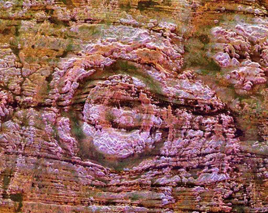 Aorounga Crater, Chad - by GifTagger:Wikimedia