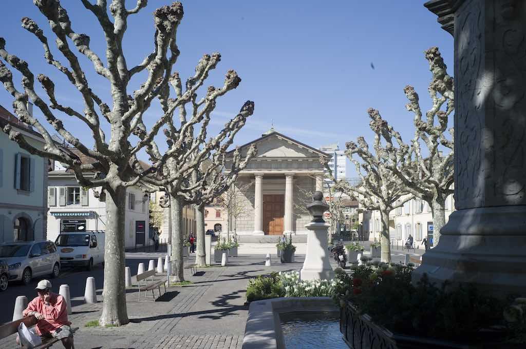 Carouge , Place du Temple, Geneva - by HJPD:Wikimedia