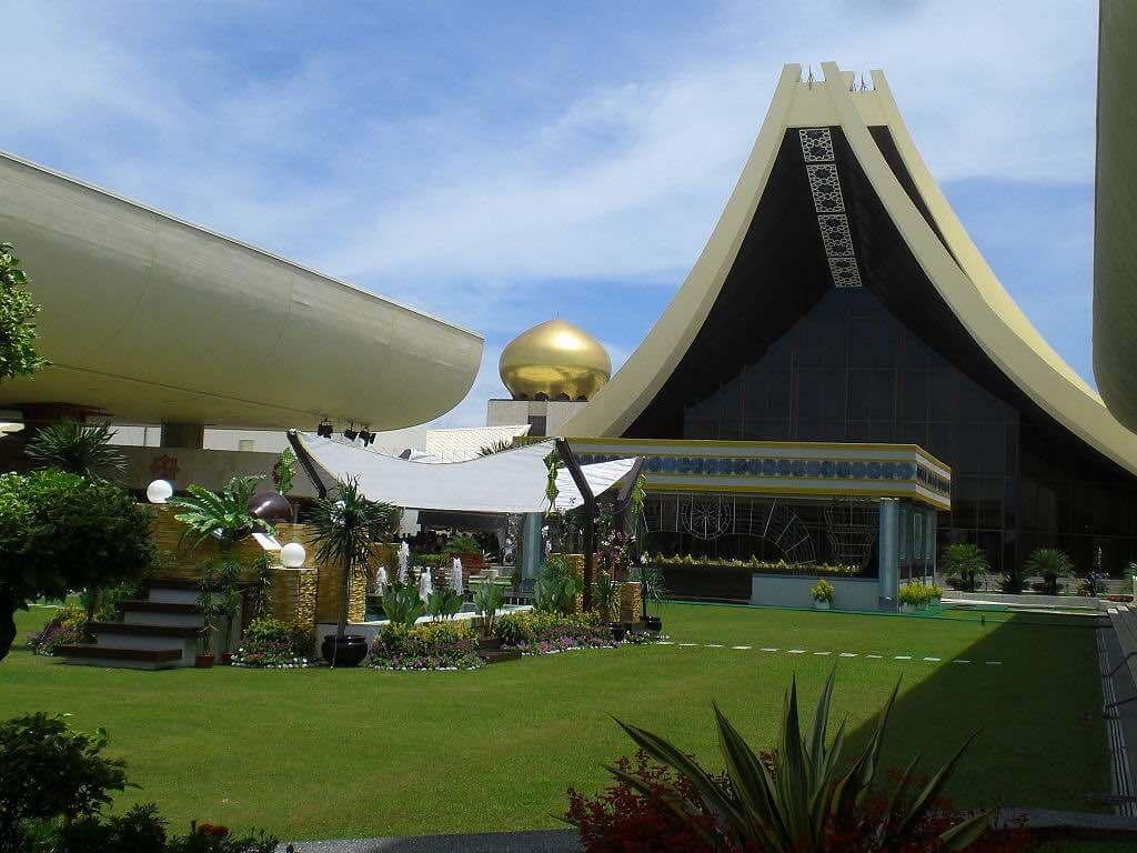 Istana Nurul Iman, Brunei - by Christian Trede:Wikimedia