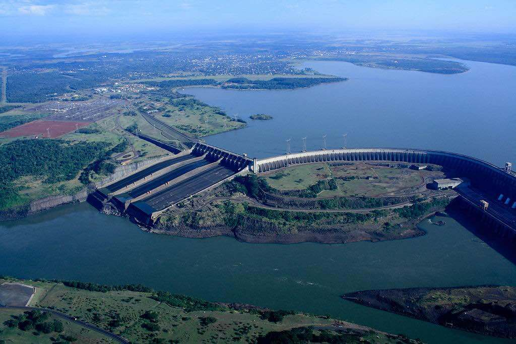Itaipu Dam, Paraguay - by International Hydropower Association - IHA Central Office:Flickr