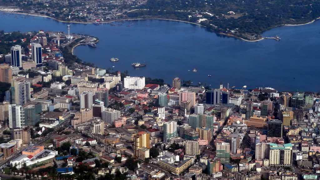 Dar es Salaamm Tanzania - by Chen Hualin - Harveychl: Wikimedia