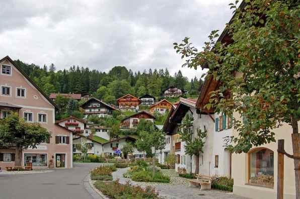 Mittenwald, Germany - by Pixelteufel:Flickr