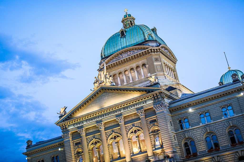 Bundeshaus, Bern - by michael dornbierer - ausnahmezustand:Flickr