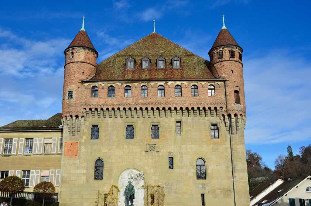Château de Saint-Maire, Lausanne - by Tristan Schmurr Follow - kewl:Flickr