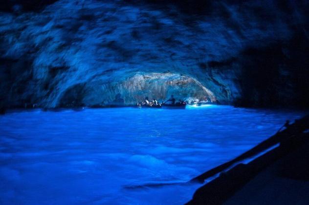Blue Grotto, Capri - by Chris Bertram/Flickr