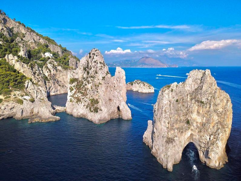I Faraglioni, Capri - by WOW Travel