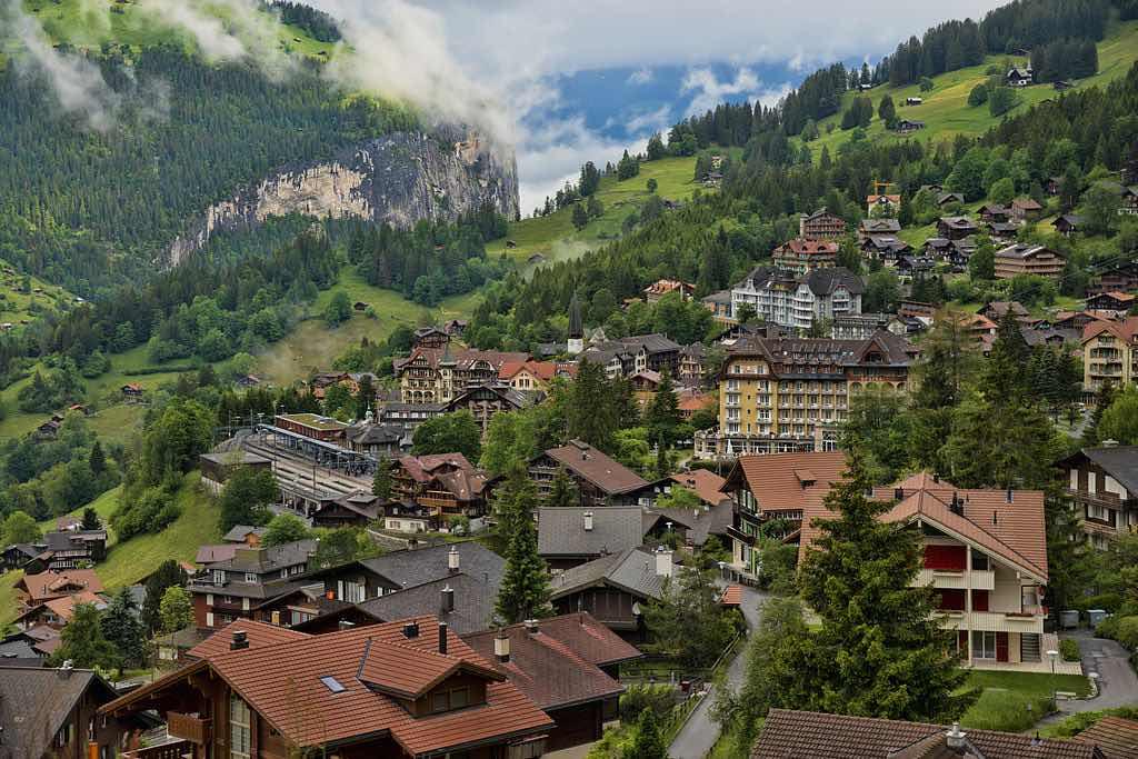Wengen, Switzerland - by chensiyuan:Wikimedia