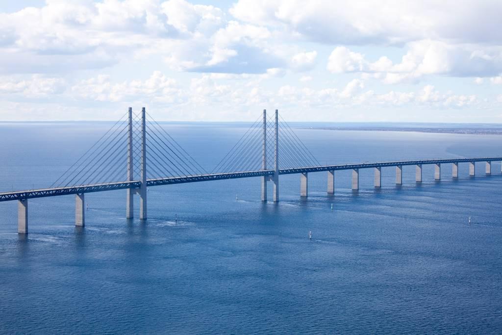Öresund Bridge, (Denmark-Sweden) -by daniel4021 Pixabay.com