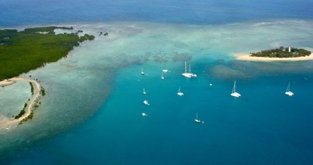 Great Barrier Reef, Cairns, Queensland, By Kyle Taylor, flickr.com