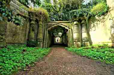 Highgate Cemetery, London -by Nick Garrod/Flickr.com