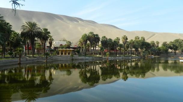 Huacachina -by sellos/Pixabay.com