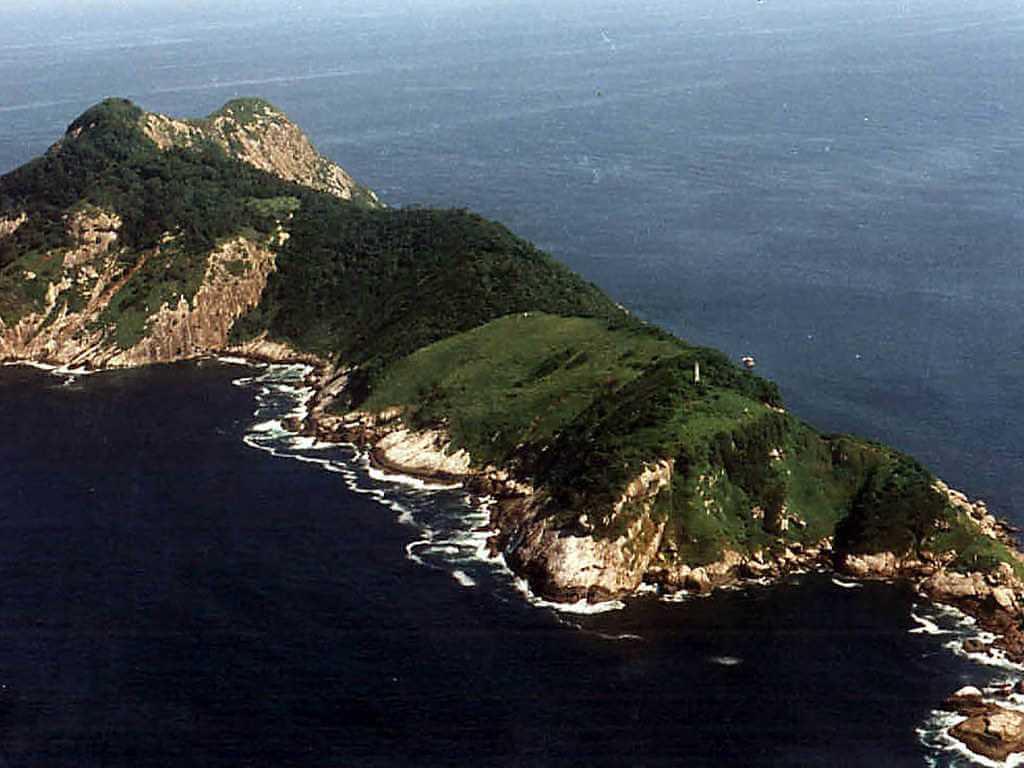 Ilha da Queimada Grande, Brazil -by Prefeitura de Itanhaem/Flickr.com