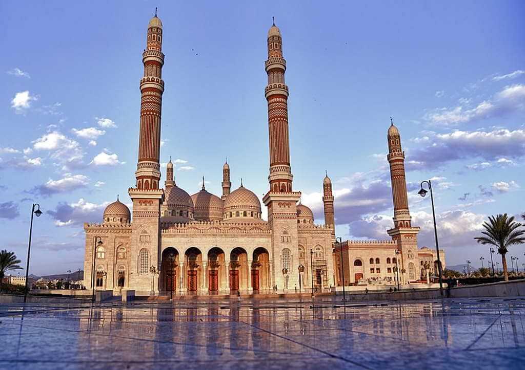Al Saleh Mosque -by Wikipedia.org