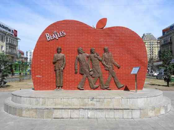 Beatles Square -by Goggins World/Flickr.com