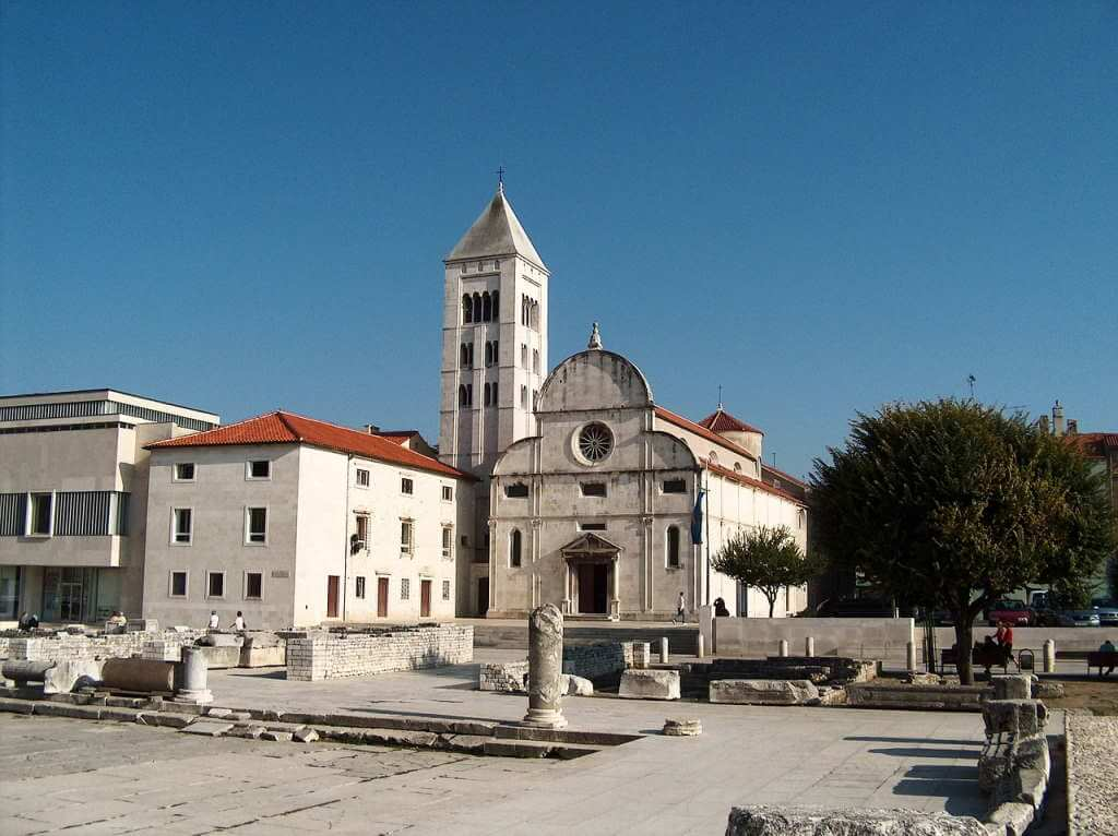 Church of Saint Mary -by Luka992/Pixabay.com