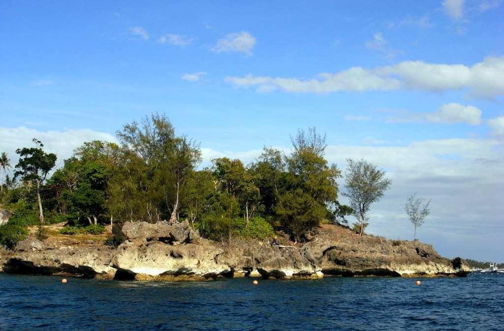 Crocodile Island -by momo/Flickr.com