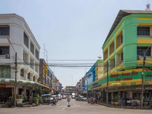 Krabi Town, Thailand -by Maksym Kozlenko/Wikimedia commons
