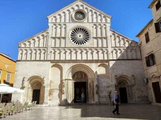 St. Anastasia's Cathedral -by smartapa/Pixabay.com