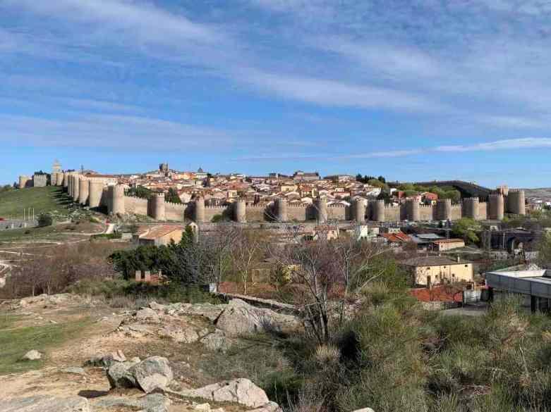 Walls of Ávila -by hectorlo/Flickr.com