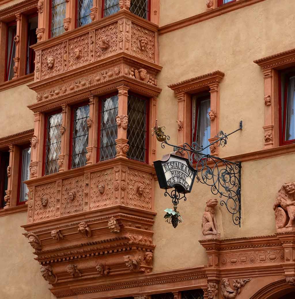 Maison des Têtes by Anne Arnould/Flickr.com