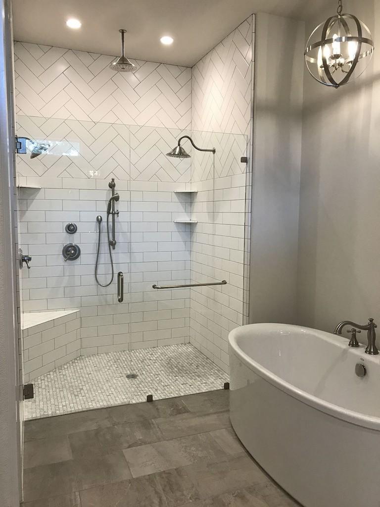 78+ Luxury Farmhouse Tile Shower Ideas Remodel - Page 24 of 76 on Farmhouse Shower Ideas  id=48785