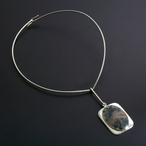 Bent Knudsen neckring with moss agate