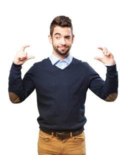 foto-de-homem-fazendo-comparacao-com-as-maos-representando-as-abordagens-por-tras-das-metodologias-de-avaliacao-de-empresas