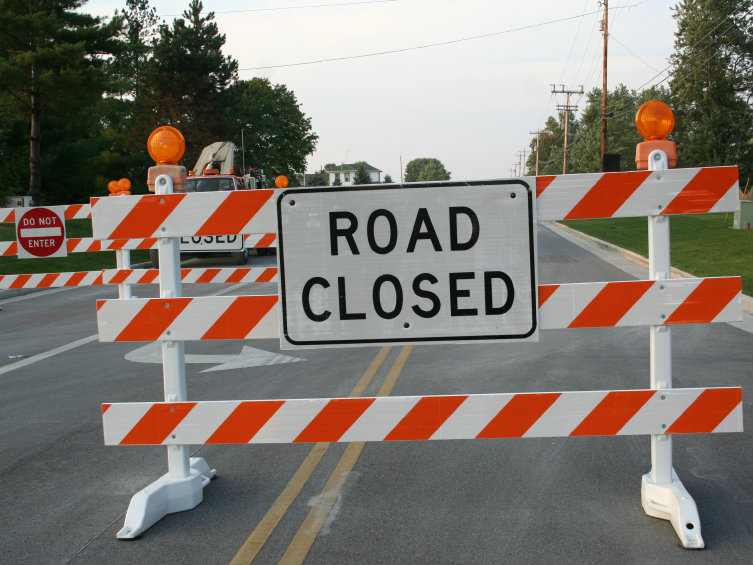 <p>Road closed sign</p>