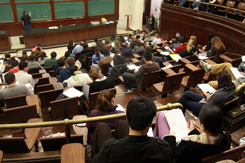 <p>College students who check cell phones or use laptops during class get lower grades than students who don't, research shows.</p>