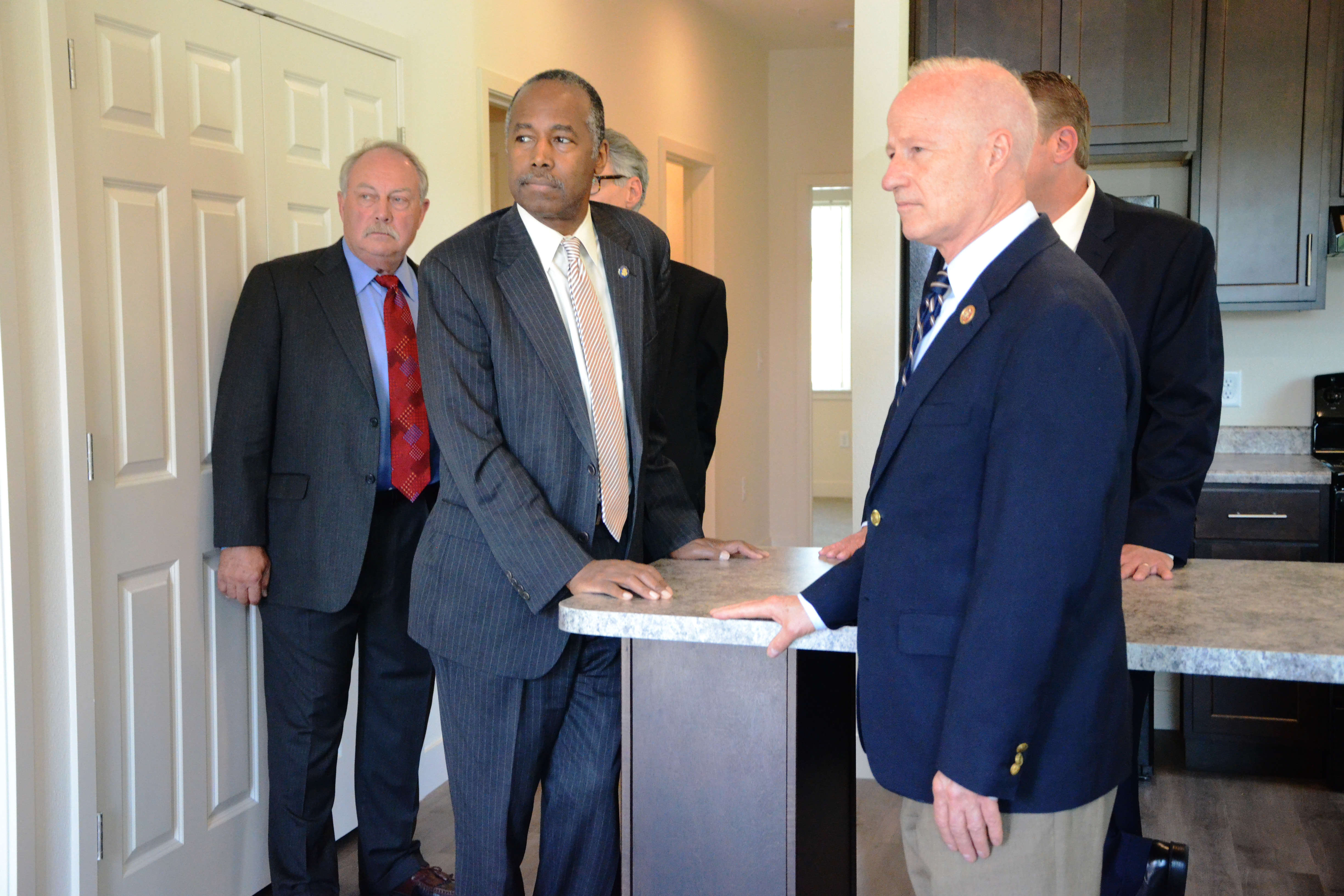 <p>U.S. Housing and Urban Development Secretary Ben Carson toured an affordable housing site in Aurora on Monday afternoon alongside U.S. Rep. Mike Coffman and Aurora Mayor Bob LeGare.</p>