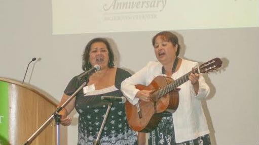 <p>Chicana singing duo Yolanda Ortega, left, and Debra Gallegos</p>