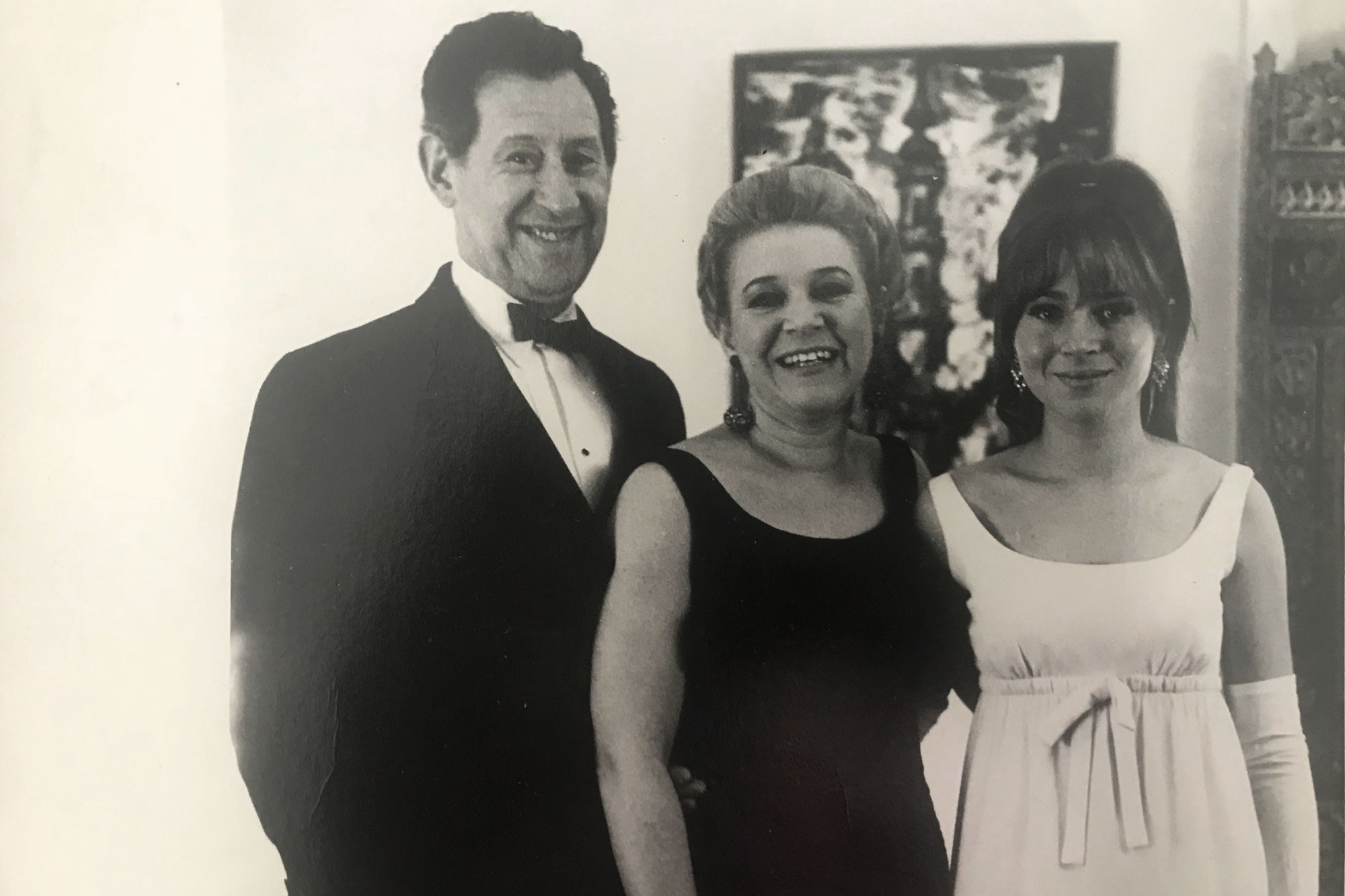 <p>Lisa Gilford (far right) with her parents,Madeline Lee andJack Gilford. Both Madeline and Jack were actors who were blacklisted for being active in left-wing and labor causes.</p>