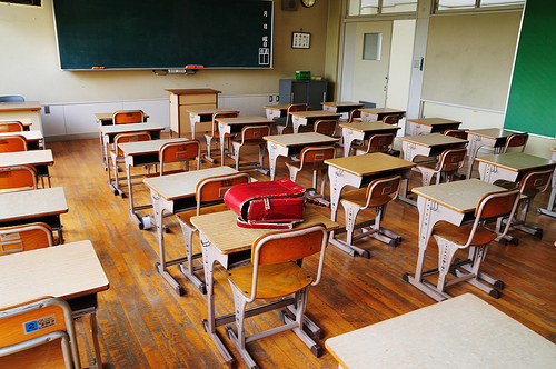 <p>Public school classrooms across the state are seating a growing number of newly-enrolled students.</p>
