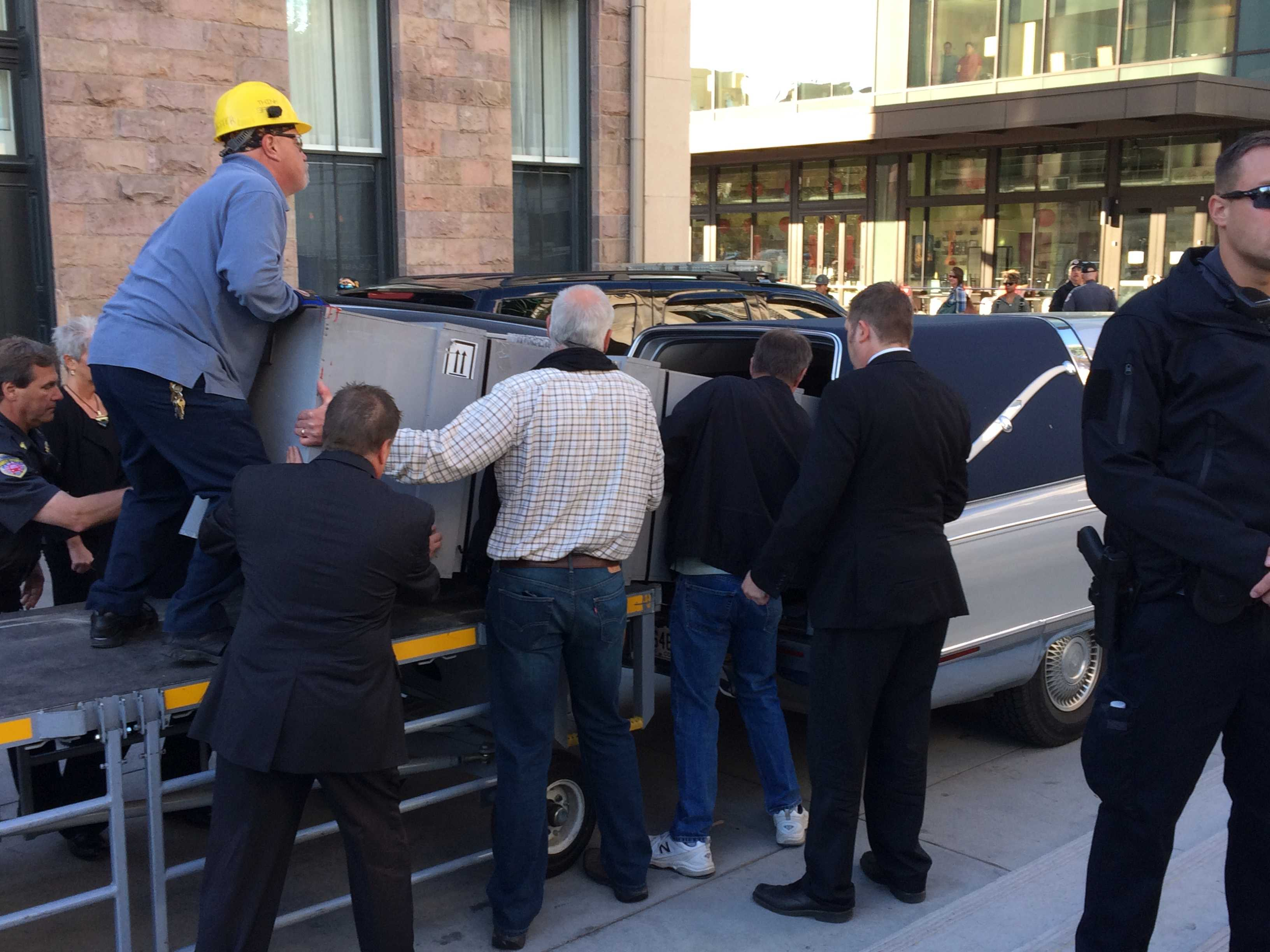 <p>The casket of Jordan MacTaggart is loaded into a hearse after arriving to Union Station via train. MacTaggart was killed in Syria fighting ISIS.</p>