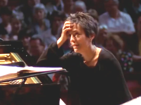 <p>Pianist Maria Joao Pires has a moment of doubt.</p>