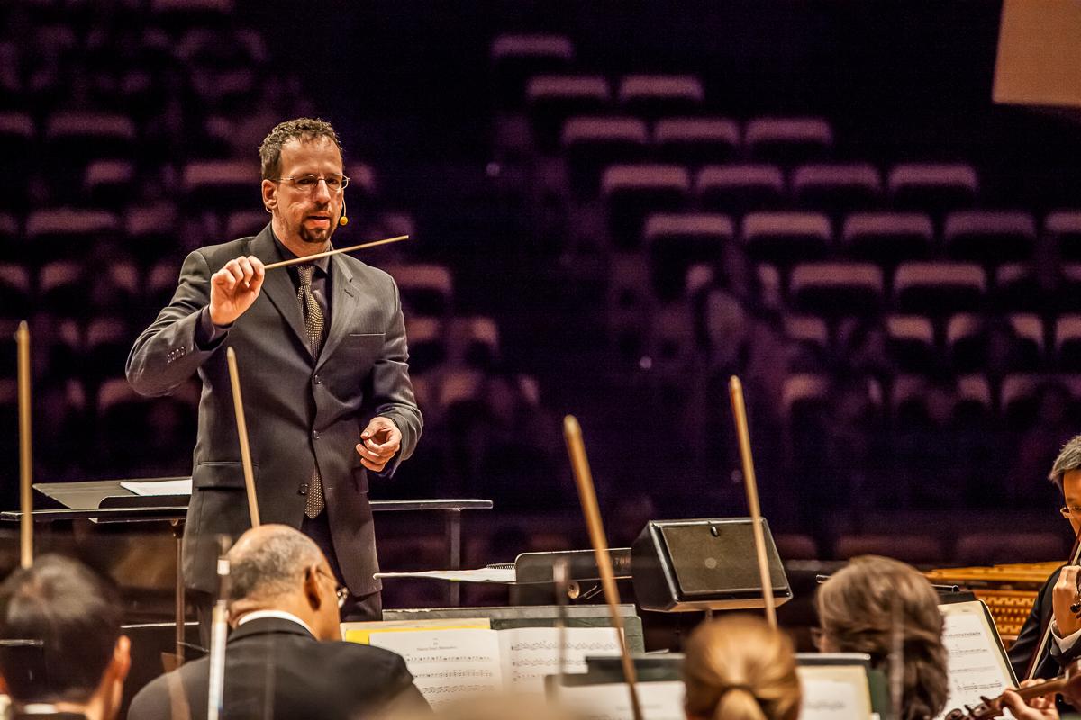 <p>Scott O'Neil leads The Colorado Symphony</p>