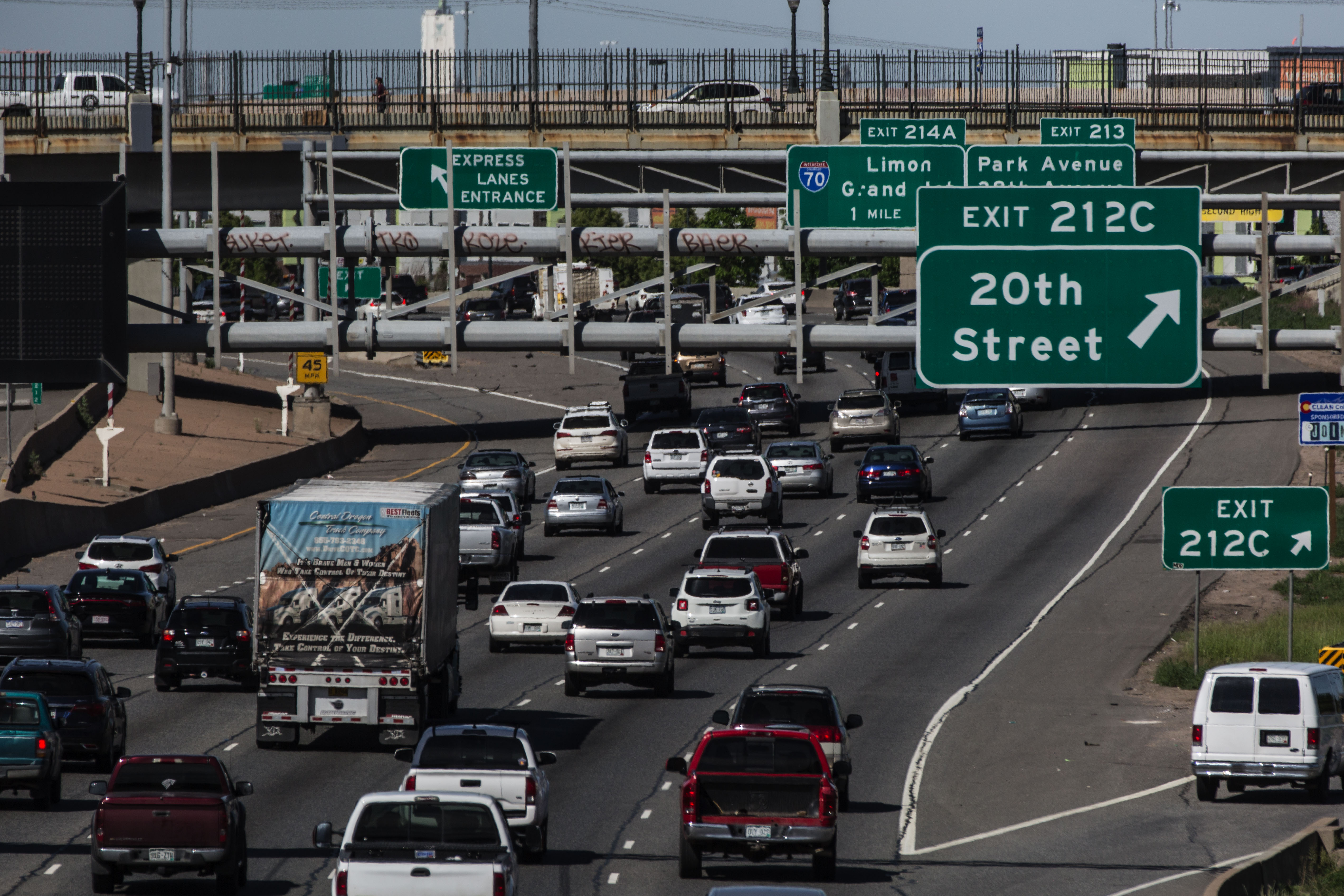 <p>Traffic on I-25 in downtownDenver.</p>