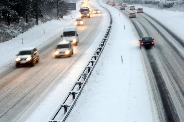 State lawmakers passed a tougher traction law this year. But some drivers aren't in compliance as the first snowstorms hit the I-70 corridor.