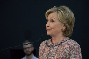Clinton at Galvanize (Chloe Aiello/Denverite)